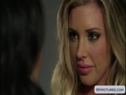 Samantha Saint came as a guest to Asa Akira, and the latter was happy to lick Samanth's...