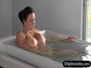 After being in hot bath, Kendra Lust pleases champ's dick together with hottie to make sex