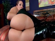 Oiled juicy model Kelly Divine seduces her own pinky, pleases it with dildo & swaps pencil